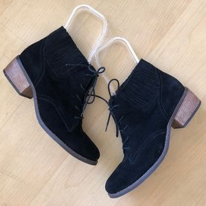 Matisse Price black suede lace up booties 8.5